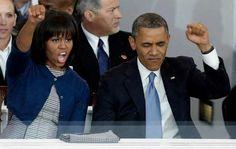 51 Romantic Photos Of Michelle And Barack Obama Afro, Presidente Obama, Fist Pump, American Presidents, God Bless America, Black Power, Michelle Obama, Barack Obama, Awkward
