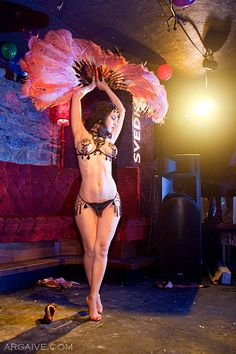 Scarlet Diamond @ Speakeasy Burlesque Presented by Glamour MTL and Vintage Love