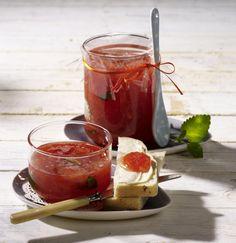 Unser beliebtes Rezept für Blutorangenmarmelade mit Aperol und Zitronenmelisse und mehr als 55.000 weitere kostenlose Rezepte auf LECKER.de.