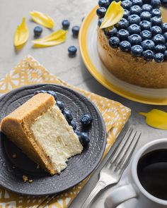 A real cheesecake from Gregory Doyen (with pastries … Cookie Dough Recipes, Easy Cookie Recipes, Cupcake Recipes, Sweet Recipes, Dessert Recipes, Pistachio Cheesecake, Cheesecake Cupcakes, Cheesecake Recipes, Tiramisu Cheesecake