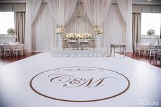 Dance Floor Wedding, Dream Wedding, Blank Wedding Invitation Templates, Bride Groom Table, White Wedding Decorations, Indoor Wedding Ceremonies, Marie, Orchid, Wedding Inspiration