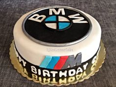 BMW cake Julian Day, Bmw Cake, Car Cakes, Audi Cars, Cake Birthday, Bmw Logo, Amazing Cakes, Motorcycles, Birthdays