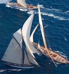 😁 These two classic yachts are in full on race-mode. ⛵️ Shop the coolest nautical fashion accessories her Classic Sailing, Classic Yachts, Sailing Adventures, Yacht Boat, Sailing Ships, Sailing Yachts, Sail Away, Nautical Fashion, Paisajes