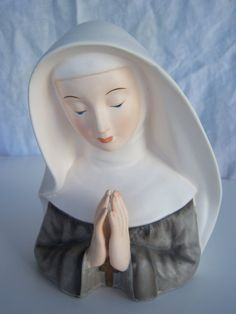 1964 Inarco Lady Head Vase Nun praying Cross Cleve by krizba04, $40.00  Need to add this to the collection!