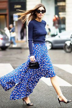Pin for Later: The Best of Paris Fashion Week Street Style (Updated!) PFW Street Style Day 6 All that's breezy blows. Fashion Mode, Look Fashion, Girl Fashion, Autumn Fashion, Fashion Trends, Fashion Week Paris, Street Style Chic, Look Chic, Mode Inspiration