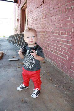 baby rock http://www.creativeboysclub.com/wall/creative  Cool lil' dude