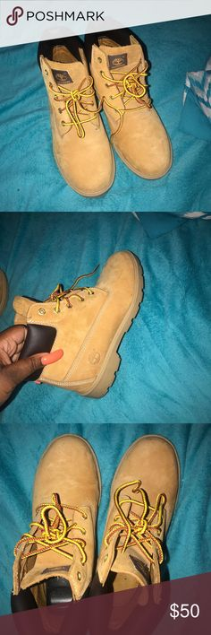 Timberland boots Timberland boots for sell!! Excellent condition..worn once . Only selling because they're too big for me .. I'm taking offers. Shoes Rain & Snow Boots