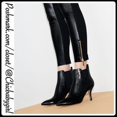 "🔸FALL PREVIEW🔸 ✨HPx2✨POINTED TOE BOOTIES Size--10 🆕With Tags $225 RETAIL + Tax   Sophisticated, sleek and chic classy pointed toe booties. Wear with the dress, suit or jeans.  *Smoothest leather upper *Padded footbed *Inset elastic gore *Man-made sole *Covered heel 2.75""  *MK logo tab on heel pull *Runs True To Size  🛍 2+ BUNDLE=SAVE  ‼️NO TRADES--NO HOLDS  💯 Brand Name Items Authentic   ✈️ Ship Same Day--Purchase By 2PM PST   🖲 USE BLUE OFFER BUTTON TO NEGOTIATE   ✔️ Ask Questions Not…"