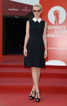 Carey Mulligan in Miu Miu white collar LBD on the #RedCarpet for Women's Tale premiere  at Venice Film Festival 2013 #VeniceFilmFestival2013