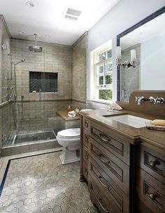 Great use of a relatively small bathroom! It feels so luxurious.