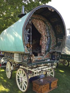 caravan design The traditional horse-drawn wagon used by British Romani people as their home is called vardo (also waggon, living wagon, van, and caravan). I describe a gypsy wagon like this in one of my books, when visiting in Ireland Bohemian Gypsy, Gypsy Style, Bohemian Decor, Bohemian Furniture, Hippie Style, Bohemian Style, Horse Wagon, Horse Drawn Wagon, Glamping