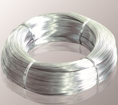 Low and High Carbon Steel Wire/wire steel, steel wire for fencing/mesh, electro/inmersion en caliente de alambre galvanizado Zinc coated steel wire can be use for redrawing,they are widely used for manufacturing steel wire rope,cable,bailing pasture fence, armoring cable, fence,strand etc. Our products have excellent toughness and flexibility ,  thick galvanized layer, strong corrosion resistance and other properties .