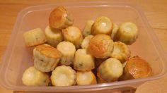 mini-cannelés roquefort et pignons de pin