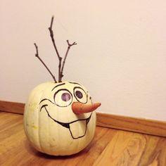 My friend's husband made this. Sooooo cute! And it doesn't look too hard :)
