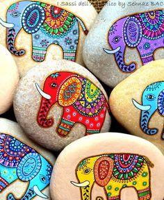 bunte indische elefante steine bemalen motive Cute activity idea paint your own lucky elephant rock for India party Pebble Painting, Dot Painting, Pebble Art, Stone Painting, Painting Canvas, Painting Tips, Watercolor Painting, Stone Crafts, Rock Crafts