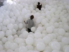 Lost in a sea of balloons... source: weheartit.com