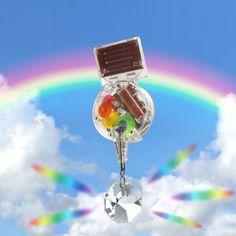 """""""Więc chodź pomaluj mój świat…""""! To pomysłowe urządzenie sprawi, że w Twoim domu rozbłyśnie prawdziwa paleta barw! Urządzenie z kryształem Swarovskiego napełni go kolorami tęczy!"""