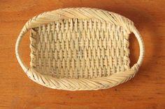 鈴竹 おしぼり入れ - うつわと暮らしの雑貨 なかうえ Laundry Basket, Wicker Baskets, Rattan, Bamboo, Survival, Woodworking, Kitchen, House, Ideas
