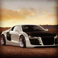 Now that's what i call a cool Ride! Audi R8 never fails to impress!