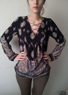 À vendre sur #vintedfrance ! http://www.vinted.fr/mode-femmes/blouses-and-chemises/27994487-blouse-bleue-avec-lacets-naf-naf