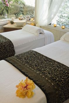 Spa Relaxation....wish I was there right now getting a massage. #NewBeautyNewLook #MassageTablesNow #massageforcouples