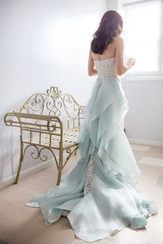 Pale Blue Oscar de la Renta gown with train / http://www.himisspuff.com/blue-wedding-dresses/5/