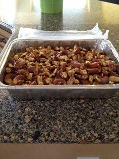 "Party pretzels A/K/A ""crack"" because it addictive.  2 bgs sourdough pretzels, 1 pkg dry good seasons Italian. 1/4 tsp each lemon pepper,garlic powder,. 1cup oil. Ziploc bag. Smash pretzels into bite size bits,add dry ingredients-shake. Place inside lg ziploc add oil- close bag and coat all pretzels. Place on foil line cookie sheet . Bake at 300 for 45 mins turning to coat every 15 mins Appetizer Dips, Appetizer Recipes, Snack Recipes, Cooking Recipes, Snacks, Spicy Crackers, Seasoned Crackers, Holiday Foods, Holiday Recipes"