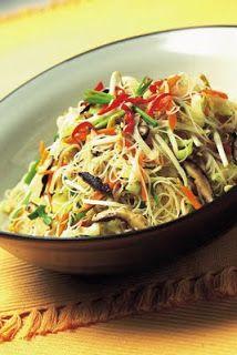 Stir fried vegetarian rice noodles