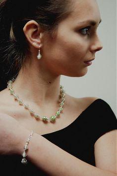 MaryKa / Špirálková schránka zeme Wire Jewelry, Jewellery, Pearl Necklace, Pearls, Fashion, String Of Pearls, Moda, Jewels, Fashion Styles