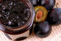 The Well-Rounded Mama: Remaking Jam That Didn't Gel Plum Jam Recipes, Jelly Recipes, Light Recipes, Plum Jelly, Savory Salads, How To Make Jam, Apple Butter, Diabetic Friendly, Canning Recipes
