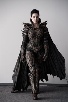 Faroa El (Olivia Black) in Kryptonian Armour