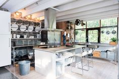 Dreamy & cozy industrial home with scandi elements