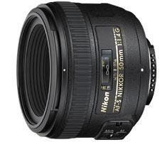 Nikon AF-S 50mm F/1.4G (new) + HB-47 zonnekap en CL-1013 (softcase)