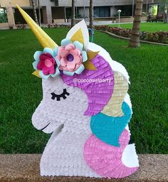 There's no fun celebration with smashing a pinata in it. These pinata craft ideas will make the party or celebration more special. Birthday Pinata, Unicorn Themed Birthday Party, Unicorn Birthday Parties, Birthday Party Decorations, Girl Birthday, Unicorn Crafts, Party Time, Pinata Ideas, Rainbow Pinata