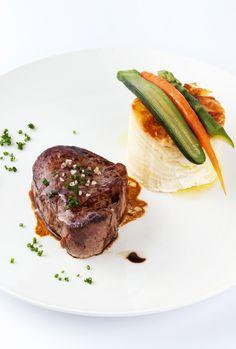 #platsnadal #sauleda #catering Filet de vedella amb timbal de patata i verduretes