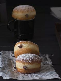 Berlinas rellenas de crema de nutella® Bakery Recipes, Donut Recipes, Sweets Recipes, Desserts, Nutella, Cupcakes, Biscuit Bar, Croissants, Baked Donuts