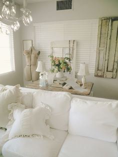 Shabby chic in white...ahhh...(wouldn't work with my kids though ;) )