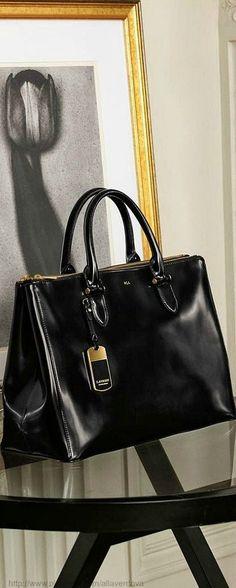 A beautiful bag. Ralph Lauren via @Isabella_31. #bags #RalphLauren