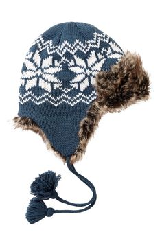 Hot Items: Knitted Trapper