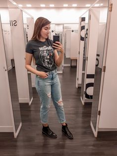 Looks Jeans, Mom Jeans, Wallpapers, Tattoo, Nails, T Shirt, Clothes, Outfits, Fashion