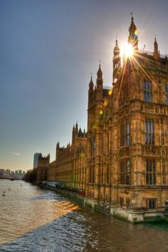WESTMINSTER BY THE THAMES ~ INCREDIBLE THAT THIS IS WHAT ENGLAND'S MEDIEVAL MONARCHY SAW ...
