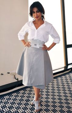 Chitrangada Singh in Tod's Spring 2014 Beautiful Girl Indian, Beautiful Indian Actress, Urban Outfits, Fashion Outfits, Chitrangada Singh, Nice Dresses, Dresses For Work, Tea Length Skirt, Celebrity Outfits