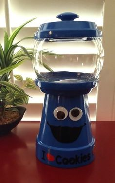Cookie Monster Gumball Machine Candy Jar by JuliesKraftShack Clay Pot Projects, Clay Pot Crafts, Diy Clay, Shell Crafts, Clay Flower Pots, Flower Pot Crafts, Clay Pots, Tree Crafts, Diy Gumball Machine