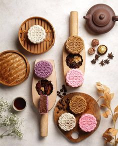 Cake Photography, Food Photography Styling, Food Styling, Chinese Moon Cake, Mooncake Recipe, Food Concept, Slow Food, Tea Cakes, Confectionery