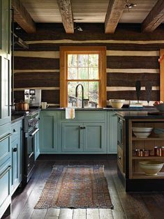 Southern Living – Svatos Cabin Rustic Cabin Kitchens, Rustic Cottage, Kitchen Rustic, Rustic Cabins, Log House Kitchen, Kitchen Ideas, Modern Log Cabins, Design Kitchen, Rustic Homes