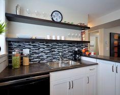 Para cozinhas pequenas e sem muito espaço, esse é um ótimo modelo.