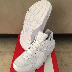 ecfa36bcfd3 All White Huaraches brand new Nike Shoes Roshe Run