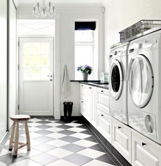 Modern Farmhouse Laundry Room Ideas – Pickled Barrel Modern Farmhouse Laundry Room with Black and White Checkered Floor Modern Laundry Rooms, Farmhouse Laundry Room, Laundry Room Cabinets, Laundry In Bathroom, Landry Room, Checkered Floors, Home Modern, Modern Room, Laundry Room Inspiration