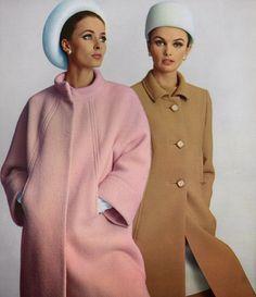 Impressions from Paris - Haute Couture Collections Spring/Summer 1966 Sixties Fashion, 60 Fashion, Fashion History, Retro Fashion, Vintage Fashion, Womens Fashion, Gothic Fashion, Style Année 60, Vintage Dresses