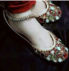 Made in India Pumps Heels, High Heels, Flats, Indian Shoes, Oxfords, Wedding Shoes Heels, Bare Foot Sandals, Look Chic, Espadrilles